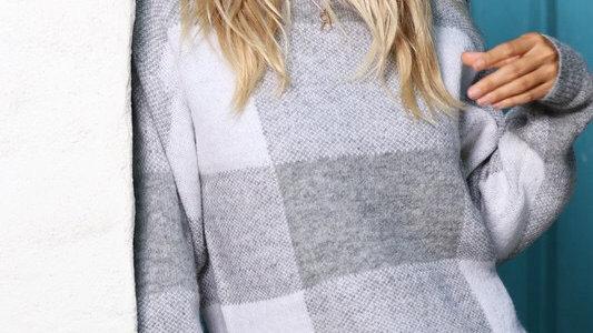 Gray plaid knit oversized sweater