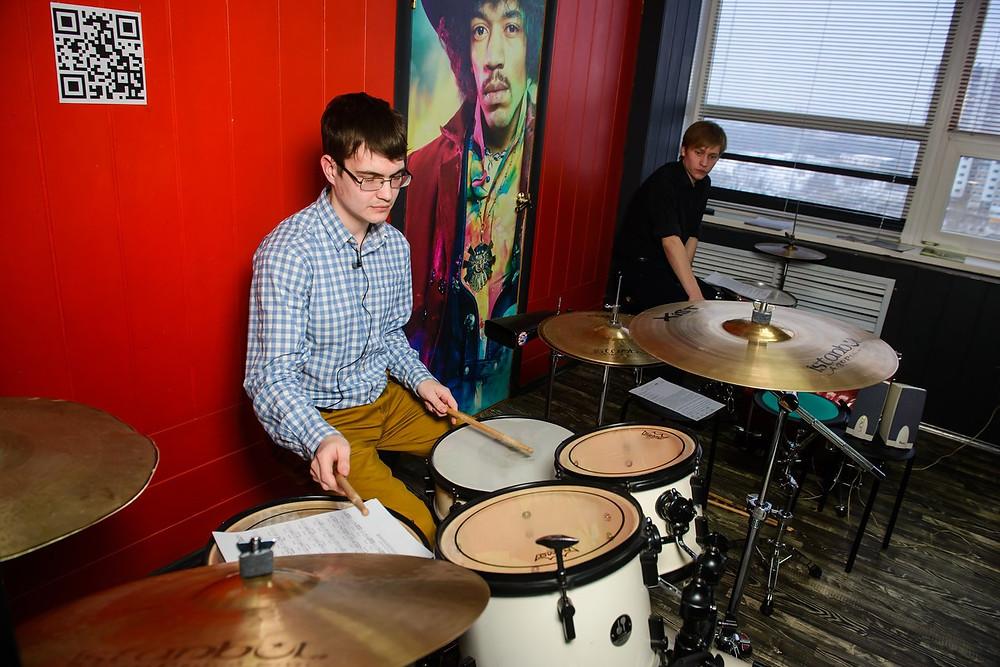 преподаватели Школы Рока по барабанам
