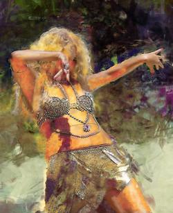 Belly_Dancer_in_motion_