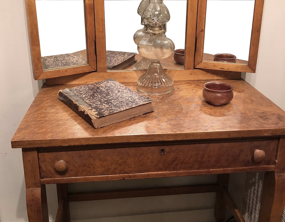 Old bedroom vanity