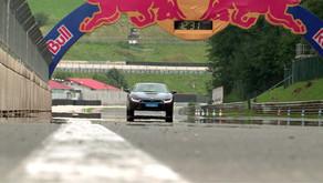 Schnellladestationen für E-Autos am Salzburgring und wie verhält sich der BMW I8 am Renn Asphalt?