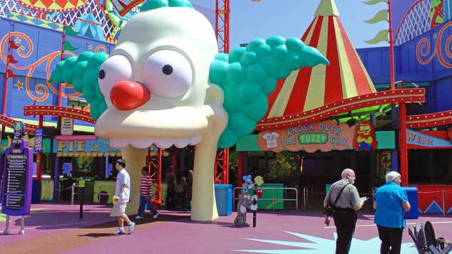 Simpsons Ride_Plaza