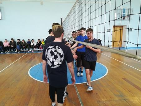 С 24 по 28 марта параллельно с женским волейболом проводилось первенство среди юношей