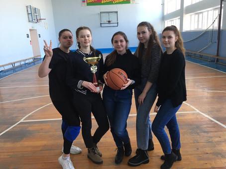 Внутриколледжные соревнования по баскетболу среди девушек