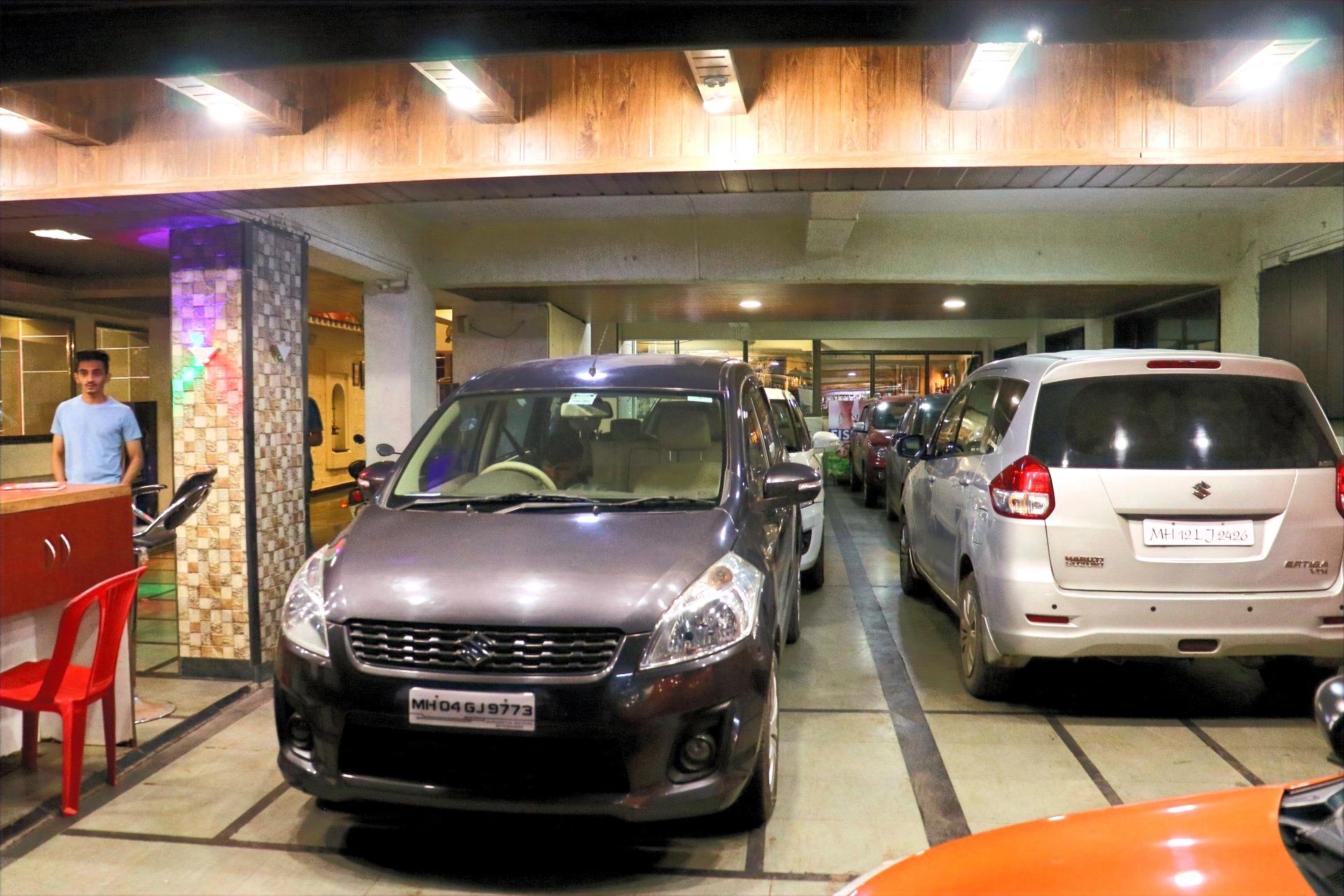 Js excellenccy car parking