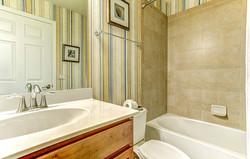 722 x 460_river_strand_barrington_bathroom