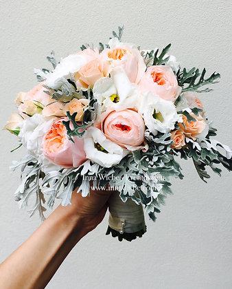 Brautstrauß Rosen Lisianthus Silberblatt