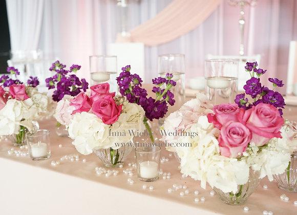 Blumensträußchen in Glasvase gerillt