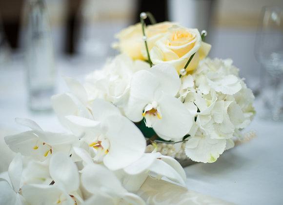 Sträußchen mit Orchideen
