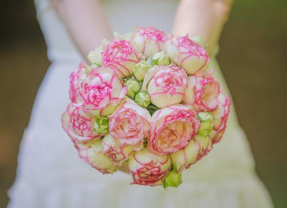 Brautstrauß aus Biedermeier Rosen