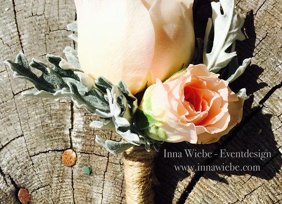 Anstecker mit Rosen, Silberblatt