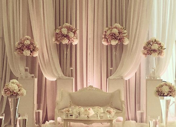 Brautpaartisch mit Barockcouch