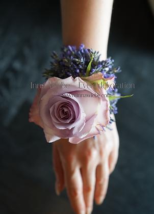 Blume für das Handgelenk mit Wasserversorgung