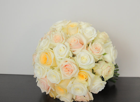 Brautstrauß groß nur aus Rosen