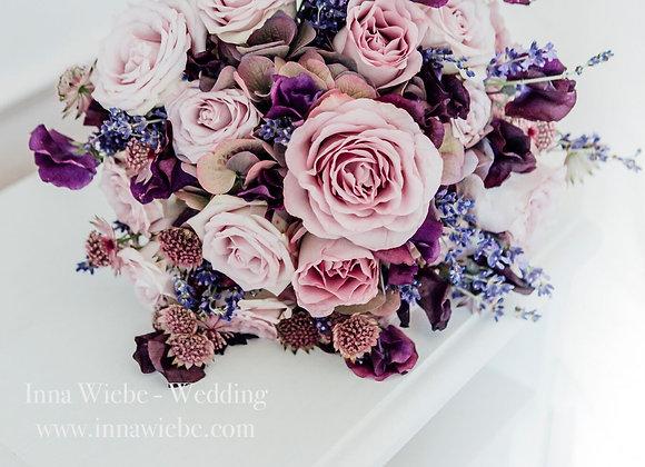 Brautstrauß in lila und flieder