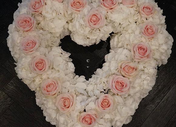 Autogesteck Herz aus Hortensien und Rosen