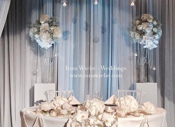 Brautpaartisch als Pavillon und Molton-boden