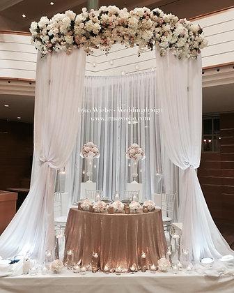Brautpaartisch Pavillion inkl.Girlande aus Seidenblumen