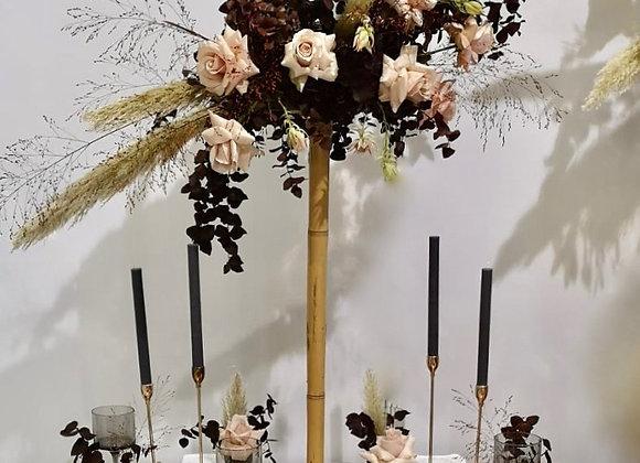 Blumenkugel auf Bambus