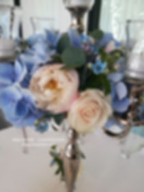 Blumenkranz auf dem Kerzenständer by Inn
