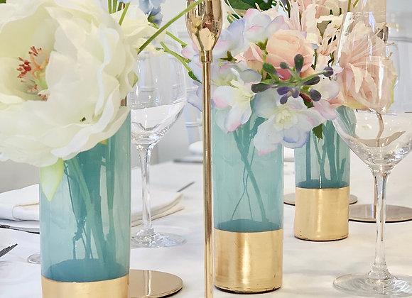 einzelne Blüten in Vase