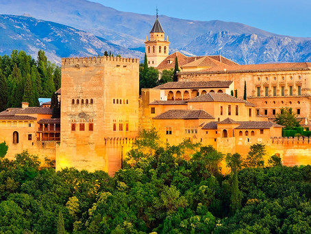 A plunge into the heart of Spain. Destination: Granada.