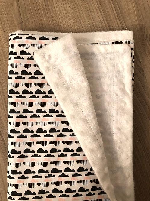 AlaLunaBebe Siyah Beyaz Bulutlu Minky Bebek Battaniyesi