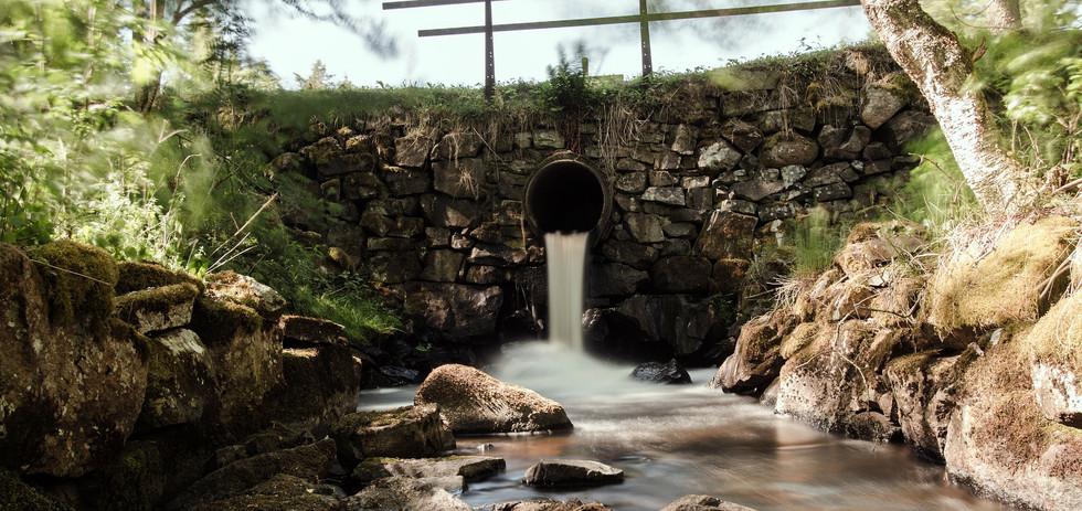water-2055162_1920.jpg