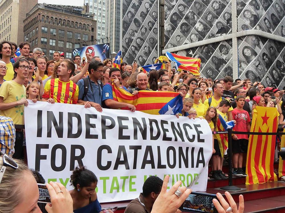 הקטלונים יוצאים לרחובות ברצלונה, לדרוש עצמאות