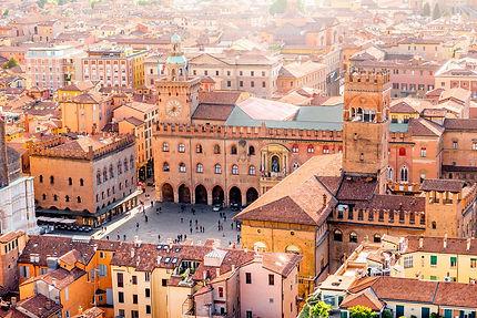 Bologna-Marktplatz.jpg