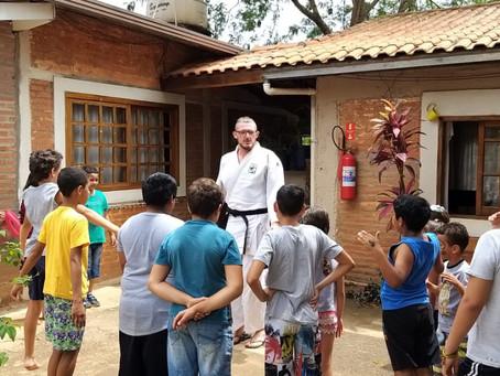 Cidadania: advocacia voluntária promove um dia especial para crianças da AMIC