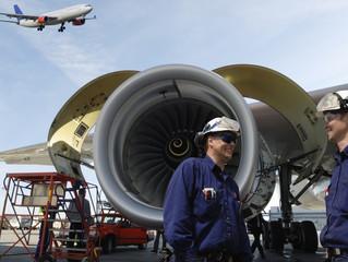 Possível falta de mecânicos preocupa executivos da Boeing.