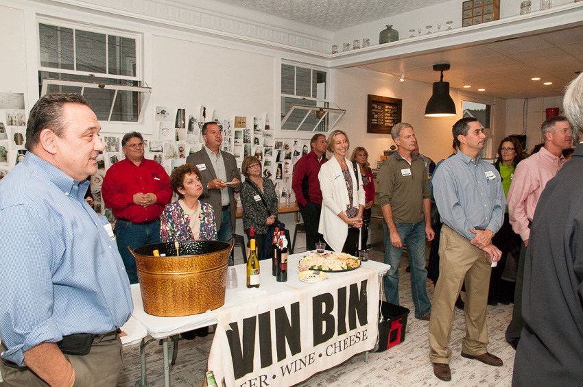 Vin Bin Ribbon Cutting
