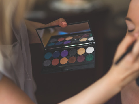 The Best Eyeshadow Palettes Based on Your Eye Color