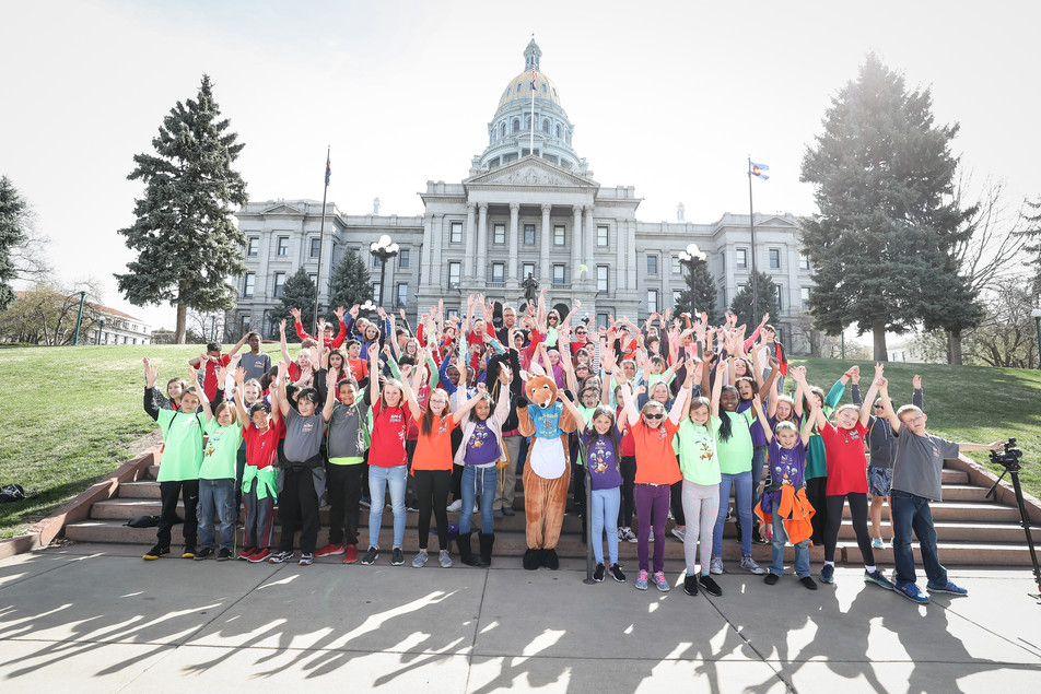Indian Ridge Elementary's 5th Graders go to the Colorado State Capitol to Declare April 4th, 201