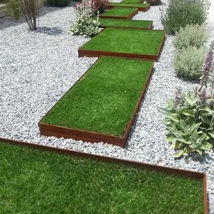 Jardines con cesped artificial (2).jpg