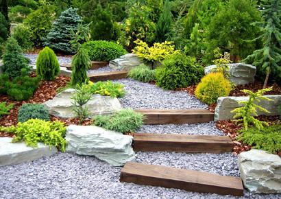 camino piedra escaleras jardin