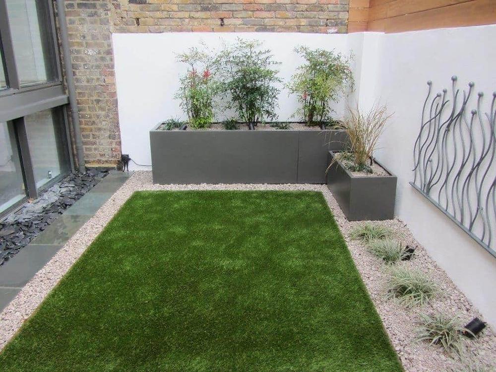 Trucos para decorar un jardín pequeño: Dejar un espacio central