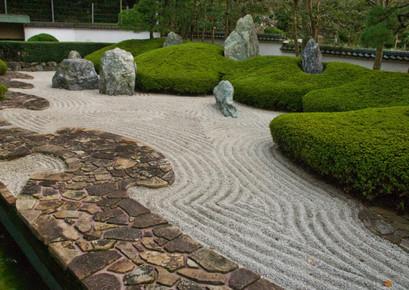camino piedras zen jardin