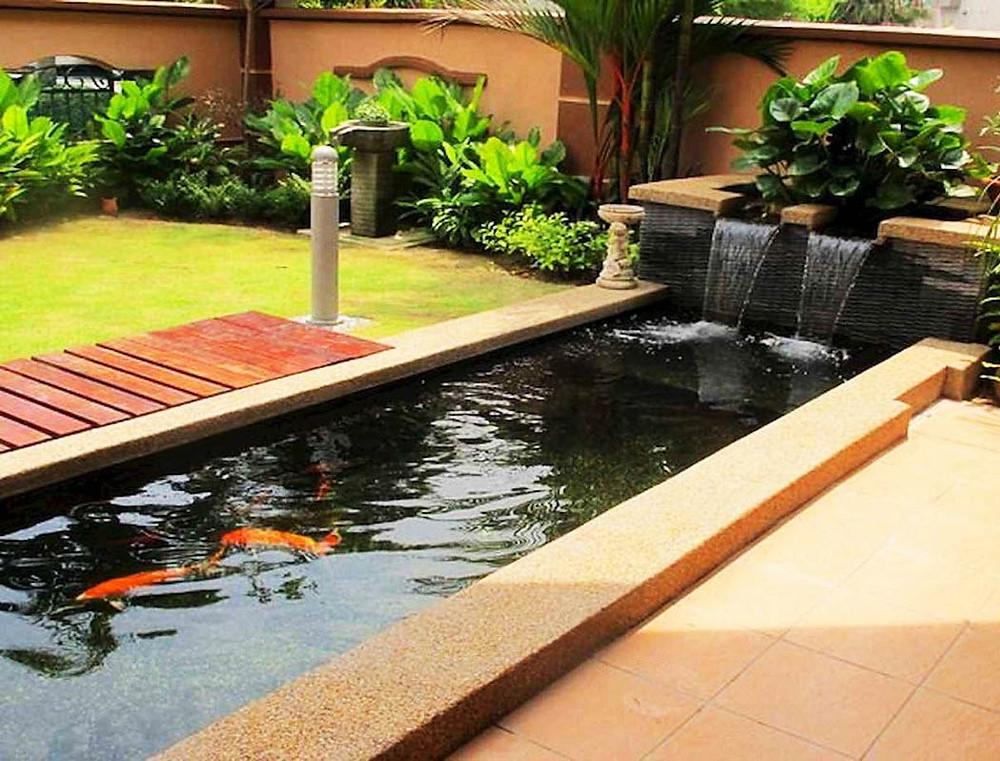 Jardines con estanques cuadrados y rectangulares