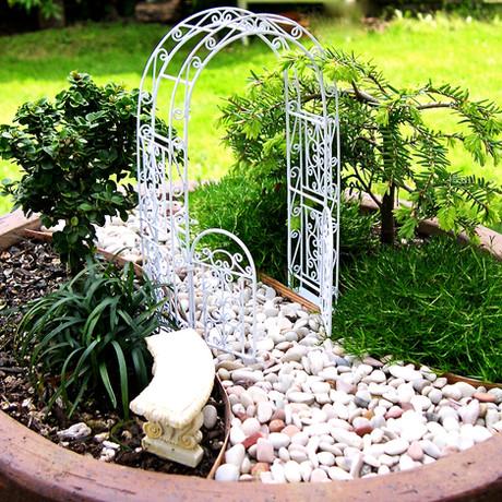 ¿Te sumas a la moda de los mini jardines de cuento?