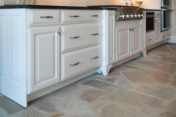 suelos de piedra en la cocina pros y contras