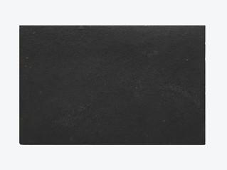 CALIZA NEGRA ENVEJECIDA 60x45x2 cm.