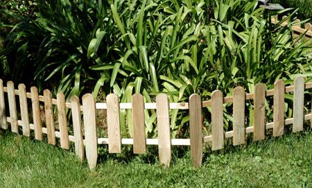 simple vallas de madera para el jardin depiedra ejemplo minivalla de madera with vallas madera para jardin - Vallas Madera Jardin
