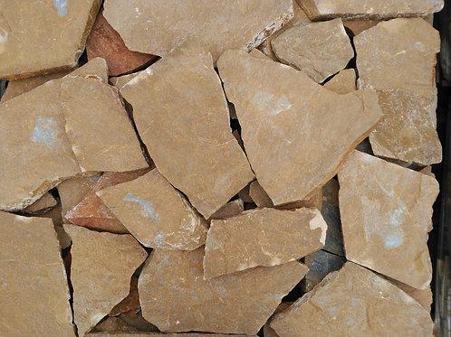 Piedra irregular marrón tierra