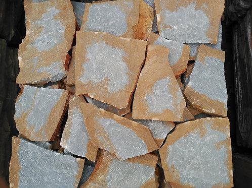 Piedra irregular cristalina