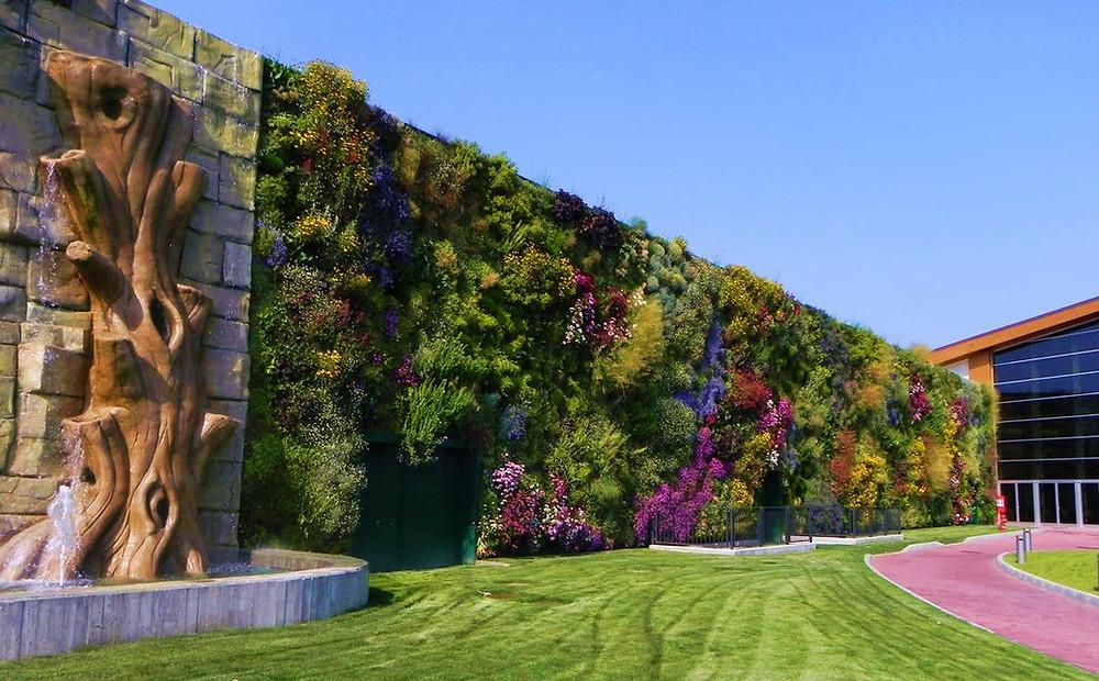 Jardín vertical en Centro comercial Il Fiordaliso (Italia)