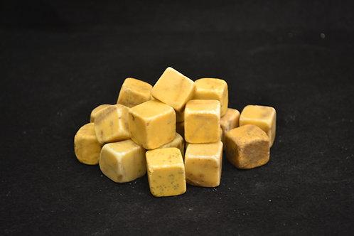Dados de mármol amarillo