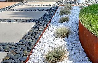 como-decorar-un-jardin-con-piedras (8).j