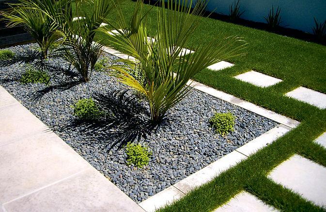 revista especializada en la decoracion de jardines con piedra natural
